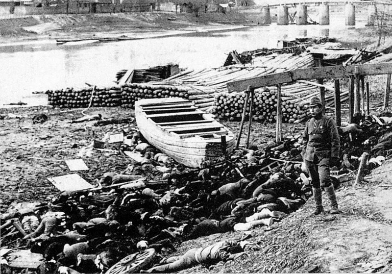 Bodies of victims along Qinhuai River out of Nanjing's west gate during Nanjing Massacre. (1937)